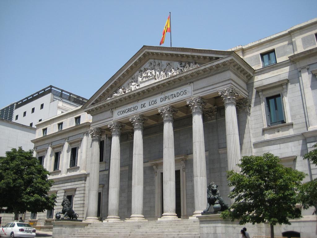 La regulación del lobby en España da sus primeros pasos, con carencias significativas