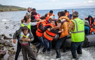 refugees_boatlanding_chios